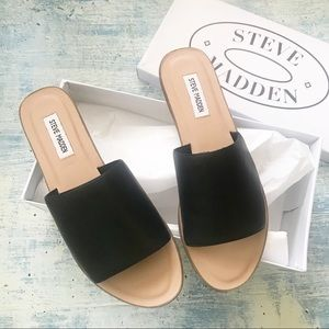 NEW STEVE MADDEN Black Leather Slip On Sandal Sz10